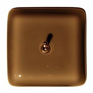 interrupteur en verre marron